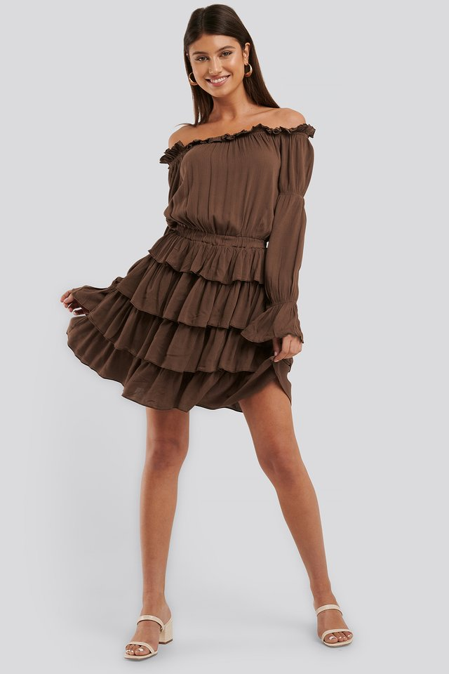 Sukienka Z Falbankami Brown