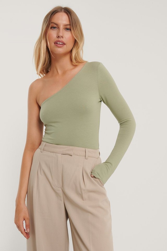 Light Khaki Body Med En Axel