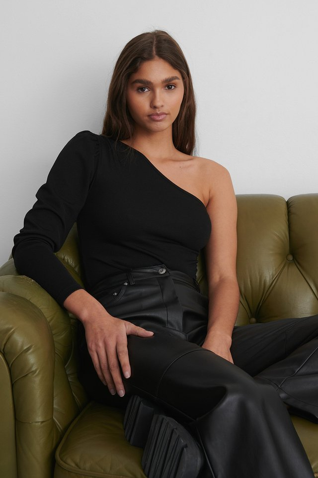 Black One Shoulder Rouched Body