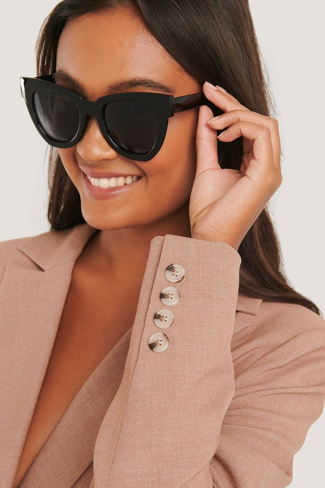 Oversize Chunky Cateye Sunglasses Black