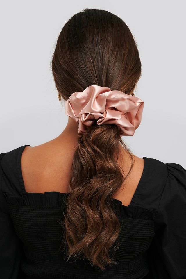 Oversize Satin Scrunchie Rose