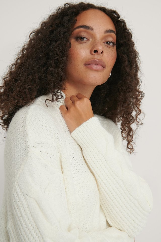 Oversized Cable Knitted Sweater White