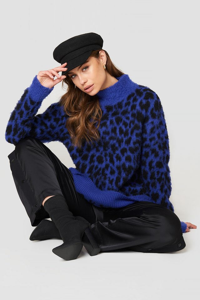 Oversized Leo Sweater Blue/Black