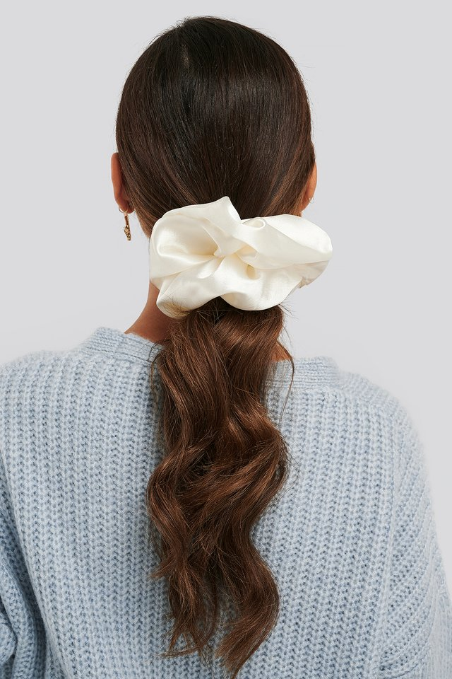 Oversize Satin Scrunchie Offwhite