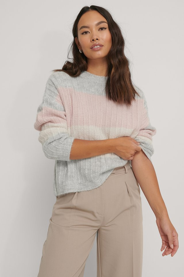Oversized Striped Knitted Sweater Pink