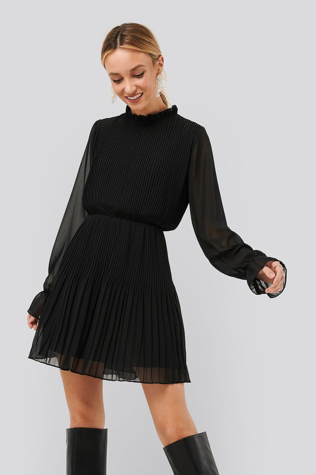 Black Pleated Elastic Waist Dress