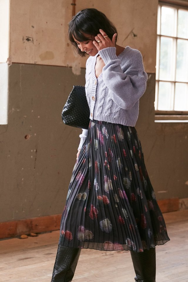 Pleated Flower Printed Chiffon Skirt Black
