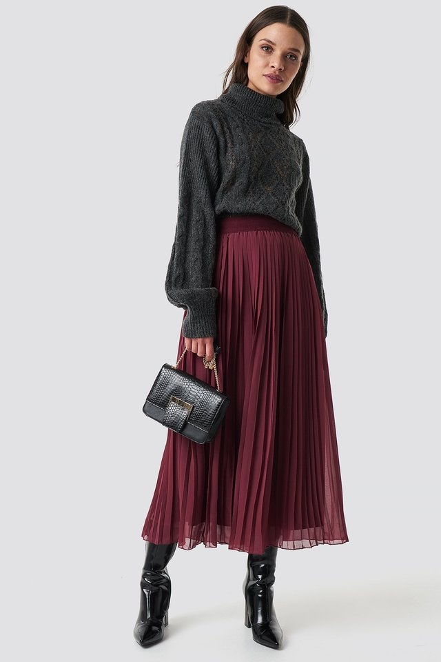 Pleated Long Skirt Burgundy