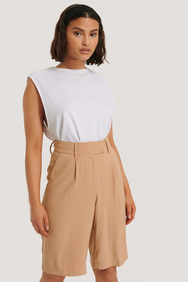 Pleated Shorts Beige