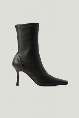 Black Spisse Boots