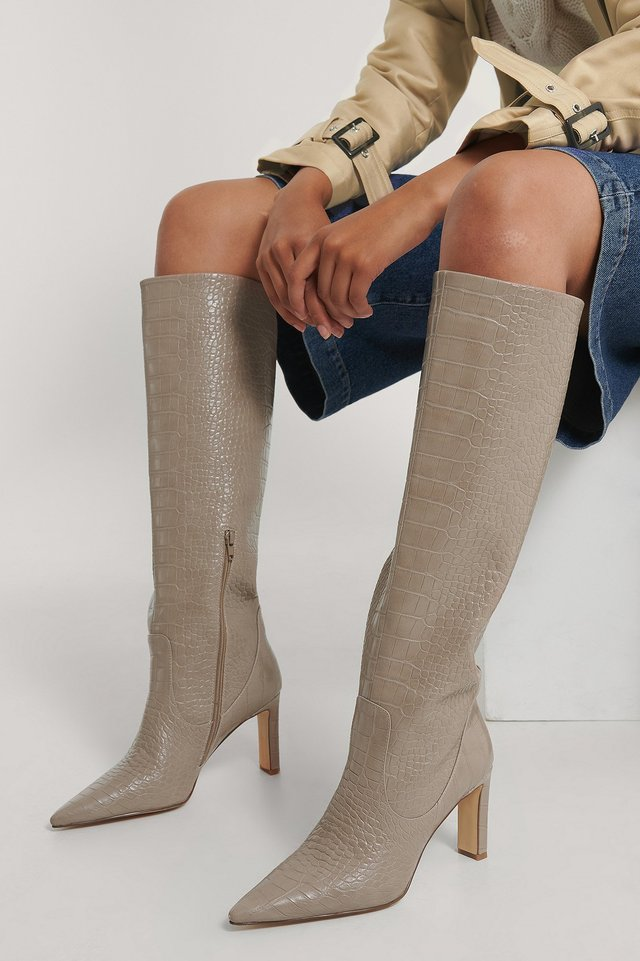 Pointy Loose Shaft Boots Taupe