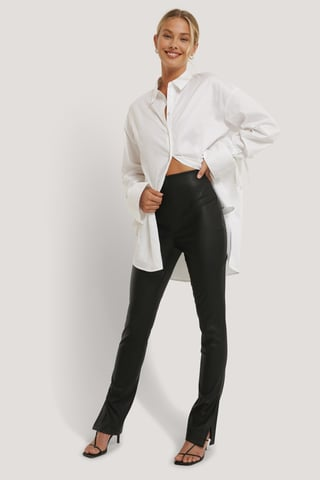 Black Kierrätetty PU-leggingsit Sivuhalkiolla
