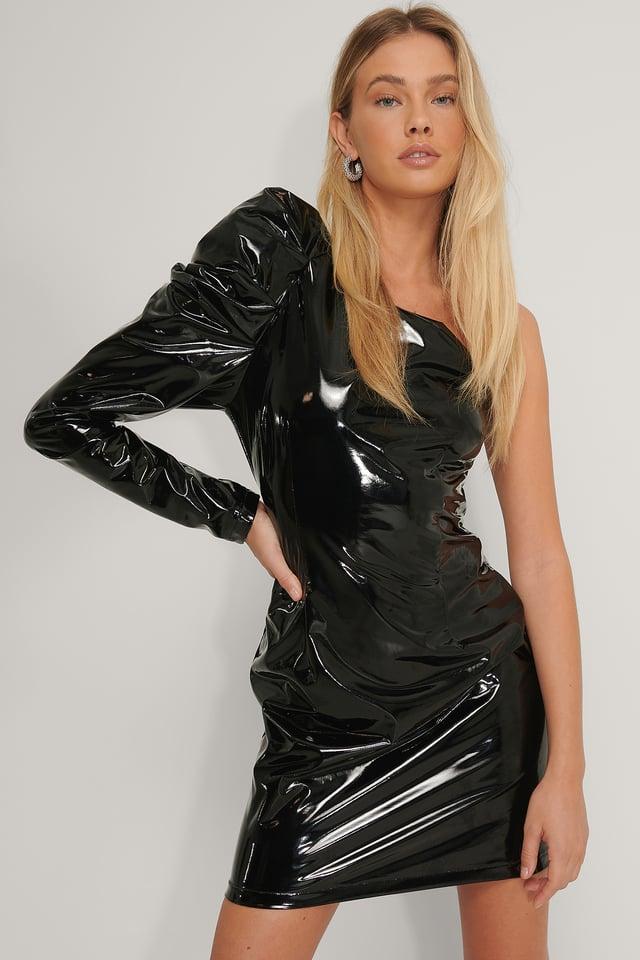 Black Winylowa Sukienka Z Bufiastymi Rękawami