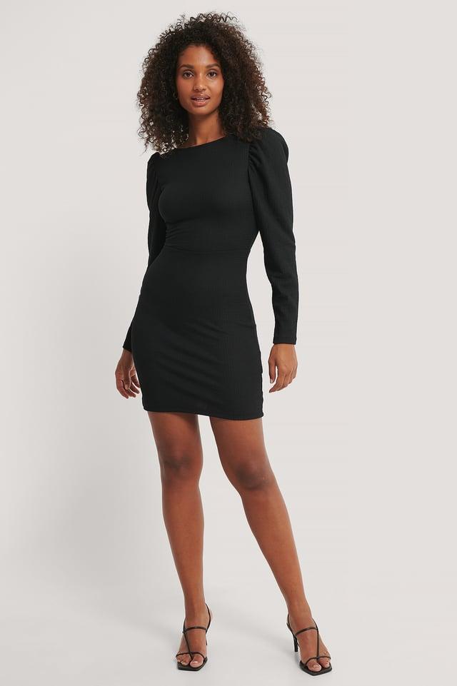 Vestido De Manga Abullonada Con Espalda Abierta Black