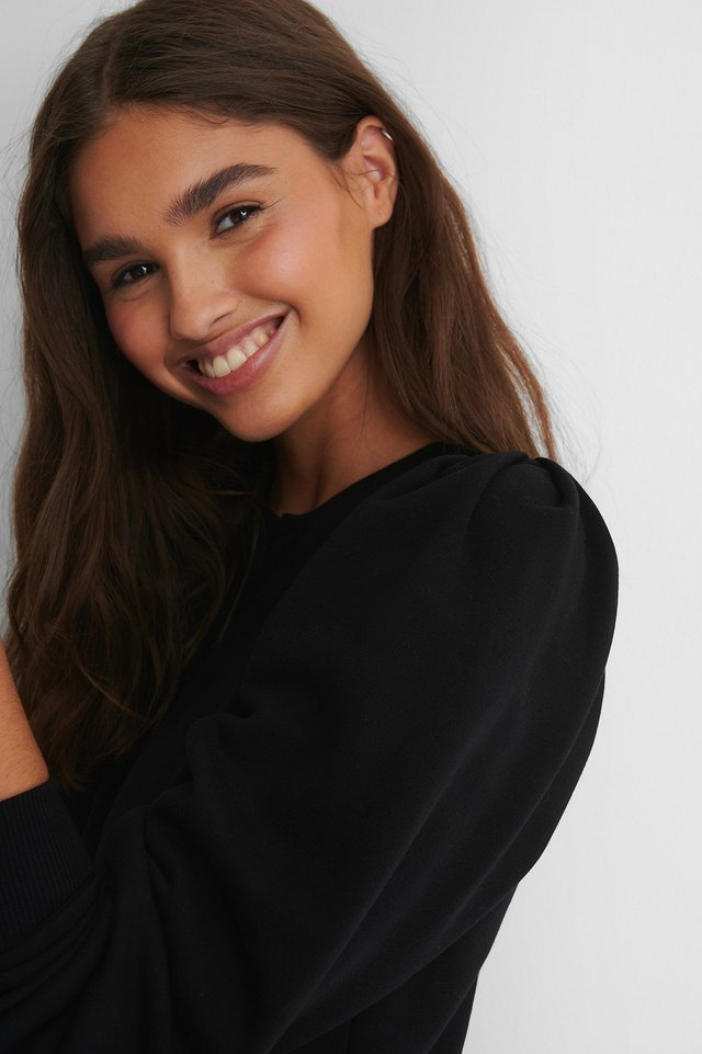 Puff Sleeved Sweatshirt Black