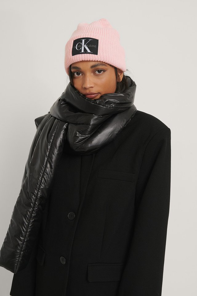 Puffy Pull Through Scarf Black