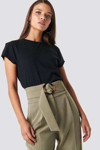 Black T-Shirt Med Rå Hem