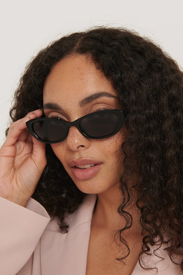 Black Wide Drop Shape Retro Sunglasses