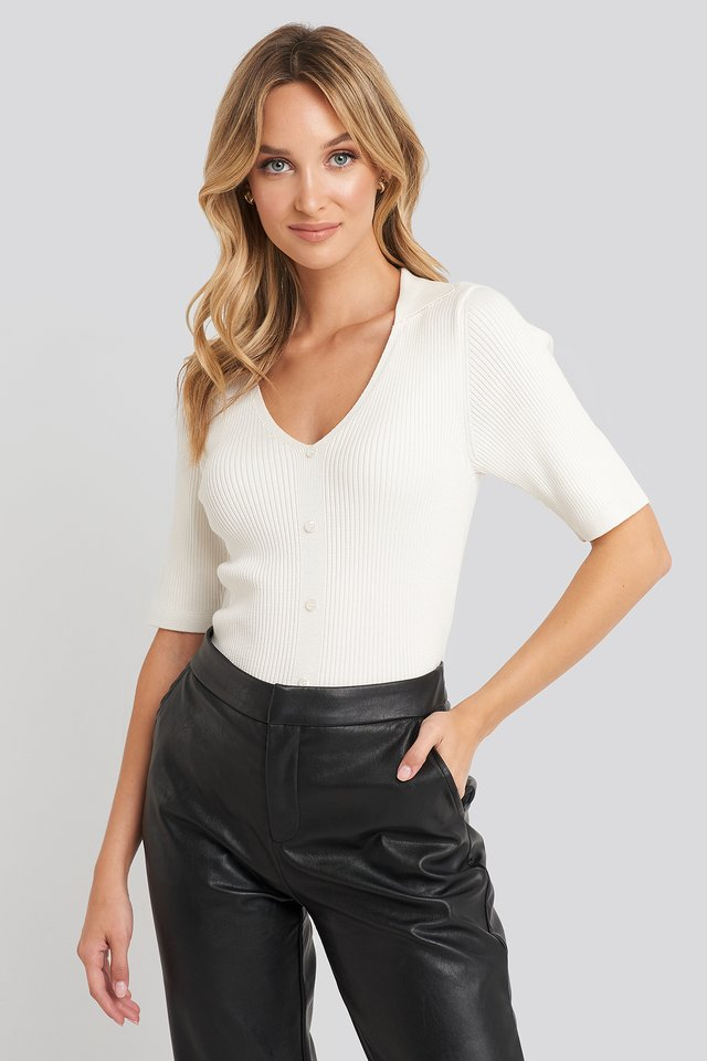 Ribbed Knitted Buttoned Top Offwhite