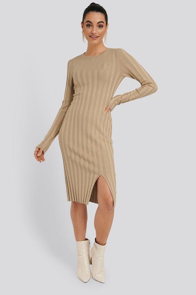 Geripptes Midi-Kleid Beige