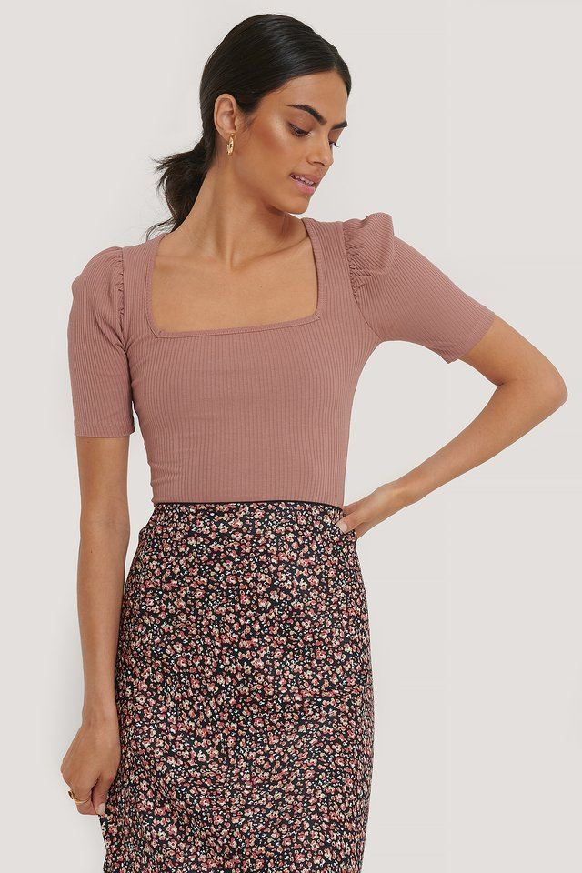 Dusty Dark Pink Ribbed Puff Short Sleeve Top