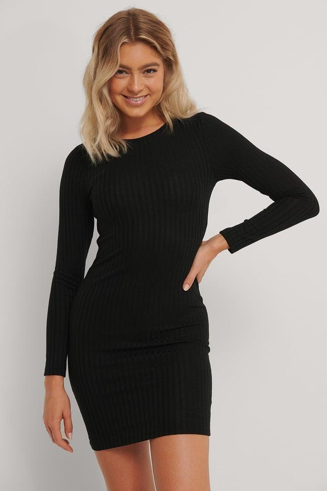 Black Ribbad Midiklänning