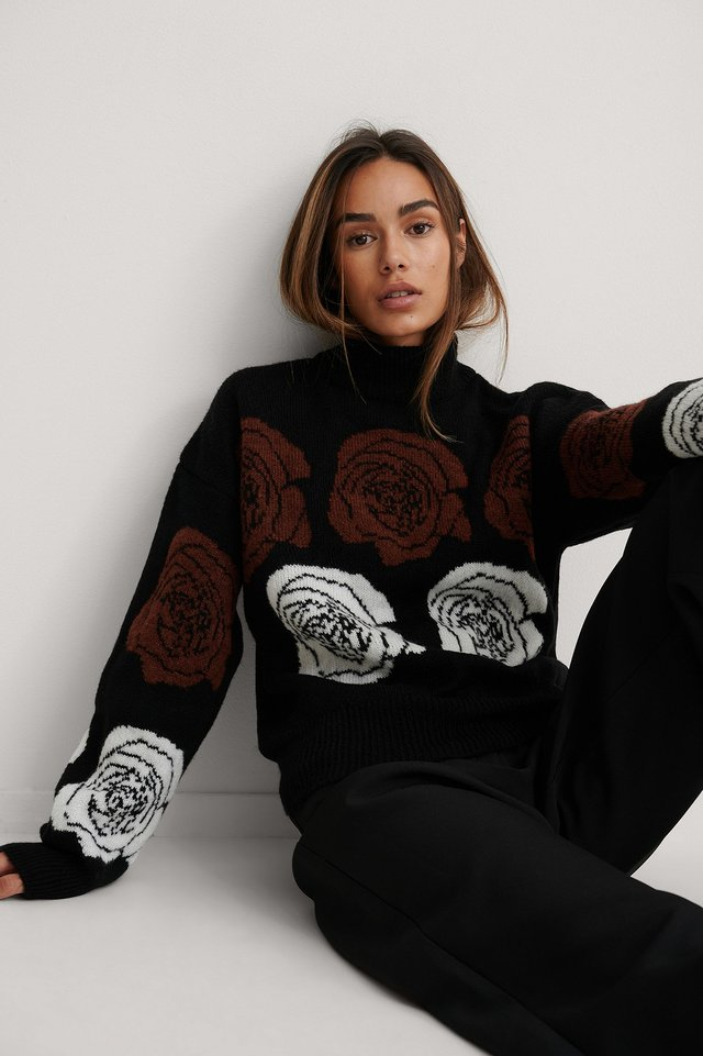 Rose Knitted Sweater Black