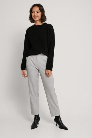 Black Sweter Z Dzianiny Z Okrągłym Dekoltem