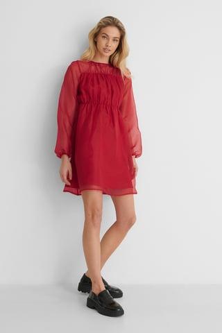 Red Organza-Detail-Kleid