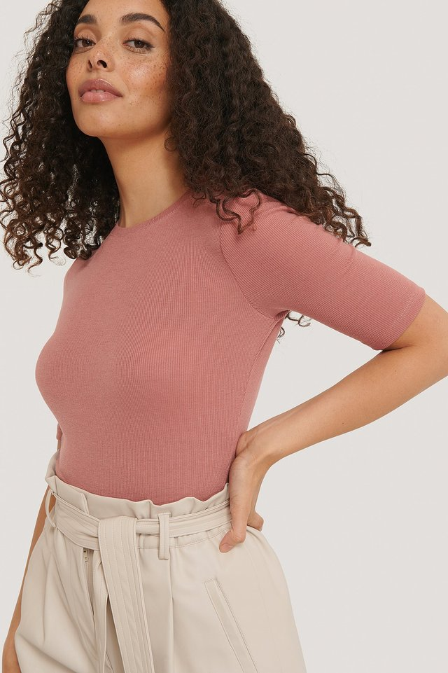 Round Neck Ribbed Top Dusty Dark Pink