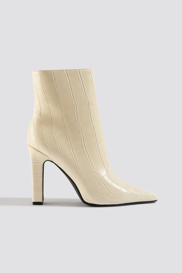 Rounded Toe Boots NA-KD Shoes