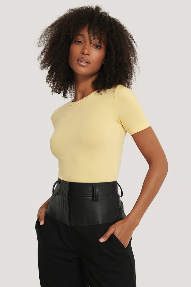 Light Yellow T-Shirt I Tencel Med Rund Halsringning