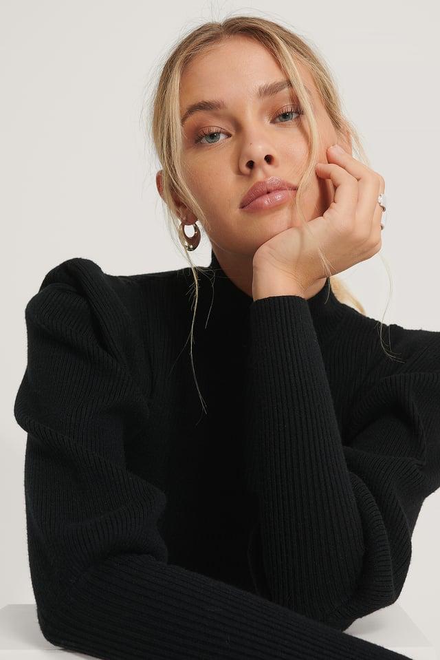Sharp Shoulder Solid Knitted Sweater Black