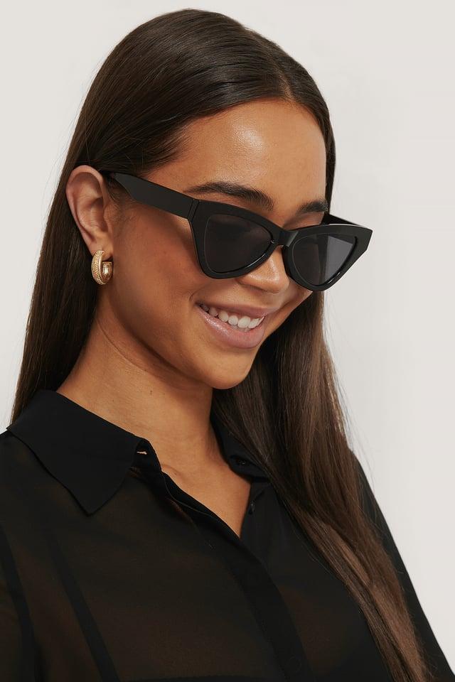 Black Sharp Triangular Cateye Sunglasses