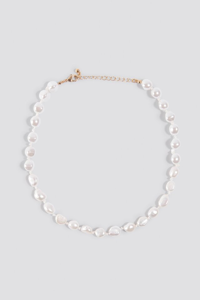 Shell Look Necklace White