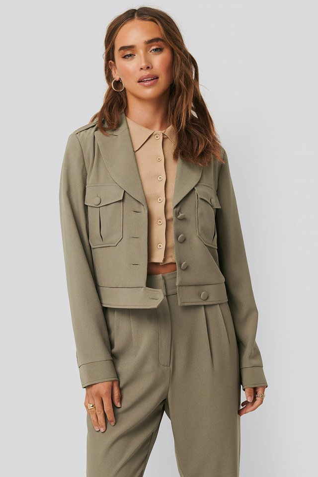 Short Buttoned Jacket Taupe