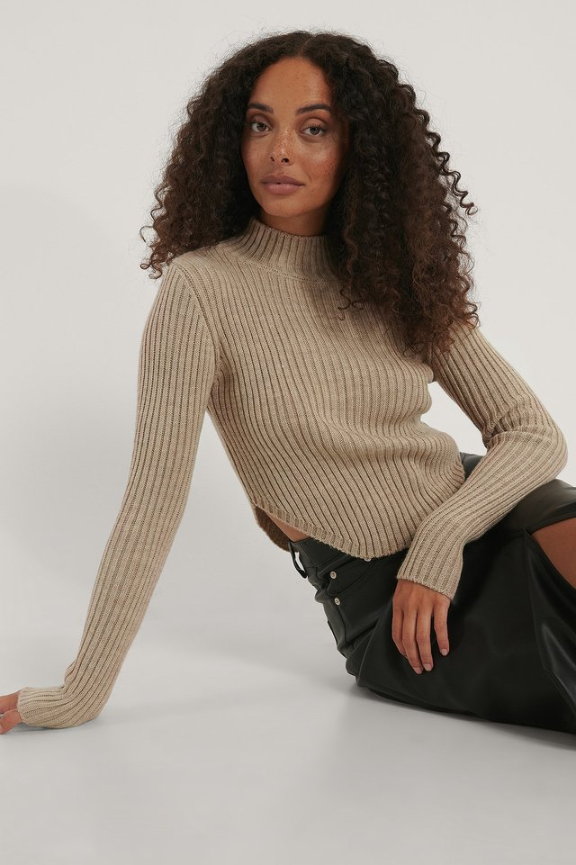 Short Knitted Ribbed Sweater Beige