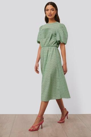 Green Flower Midiklänning Med Kort Puffärm