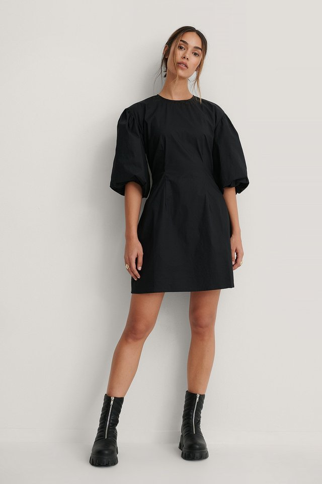 Short Puff Sleeves Slim-Fit Dress Black