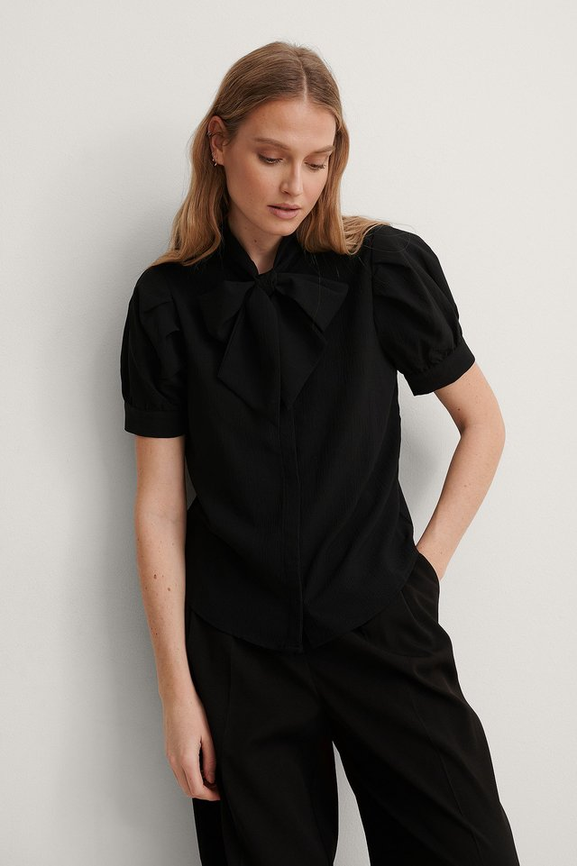 Black Short Sleeve Bow Blouse