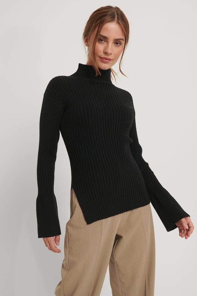 Black Karbowany Dziergany Sweter Z Rozcięciem Z Boku