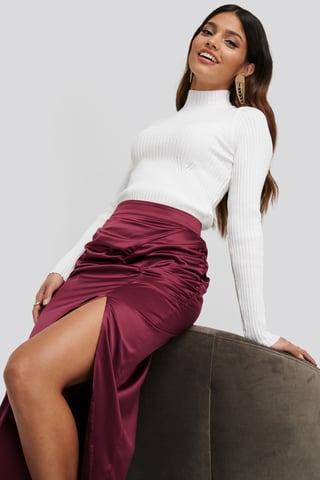 White Karbowany Sweter
