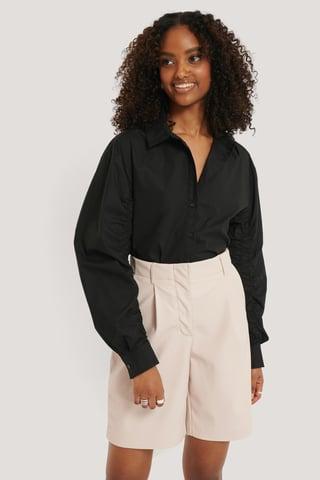 Black Skjorte Med Detaljer På Ermene