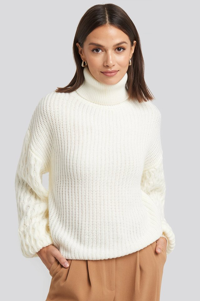 Sleeve Detailed Knitted Polo Sweater Offwhite