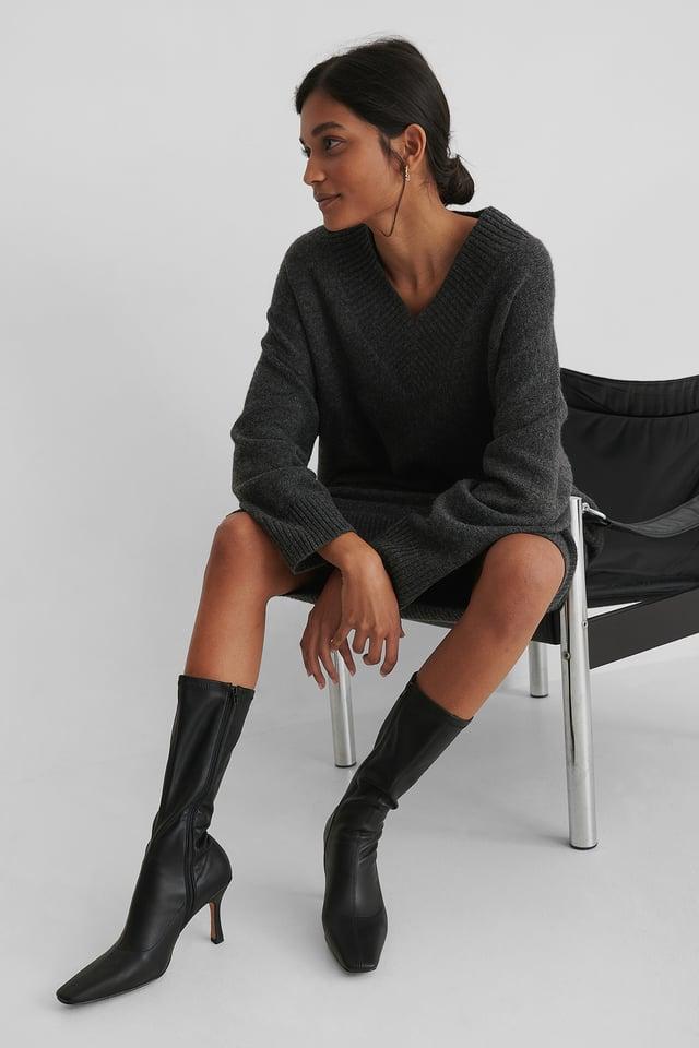 Black Slim Long Toe Boots