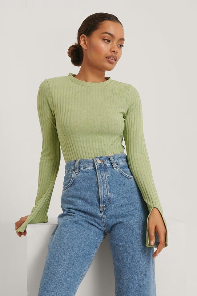 Slit Sleeve Top Green
