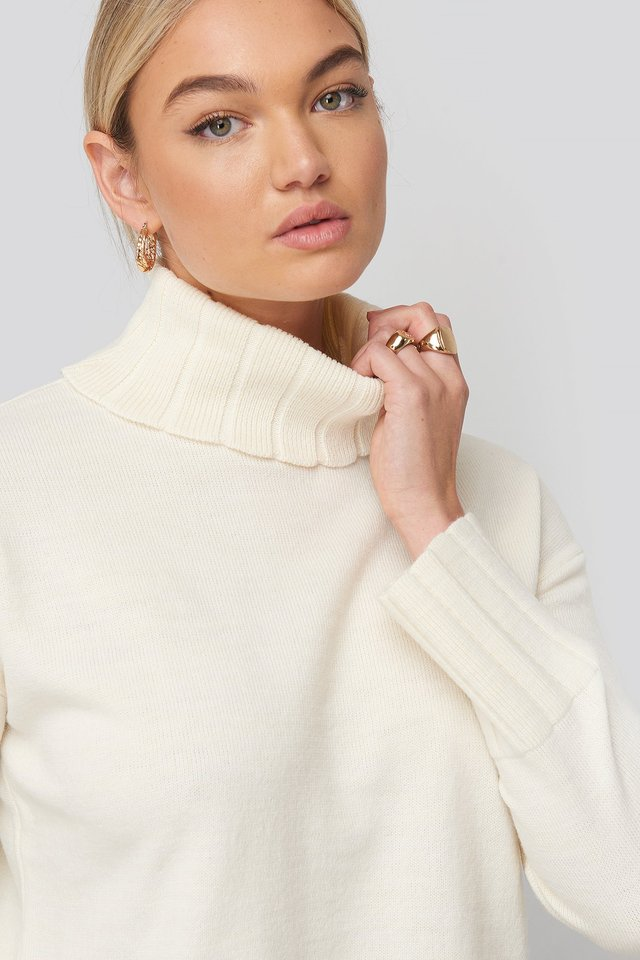 Slouchy Turtle Neck Sweater White