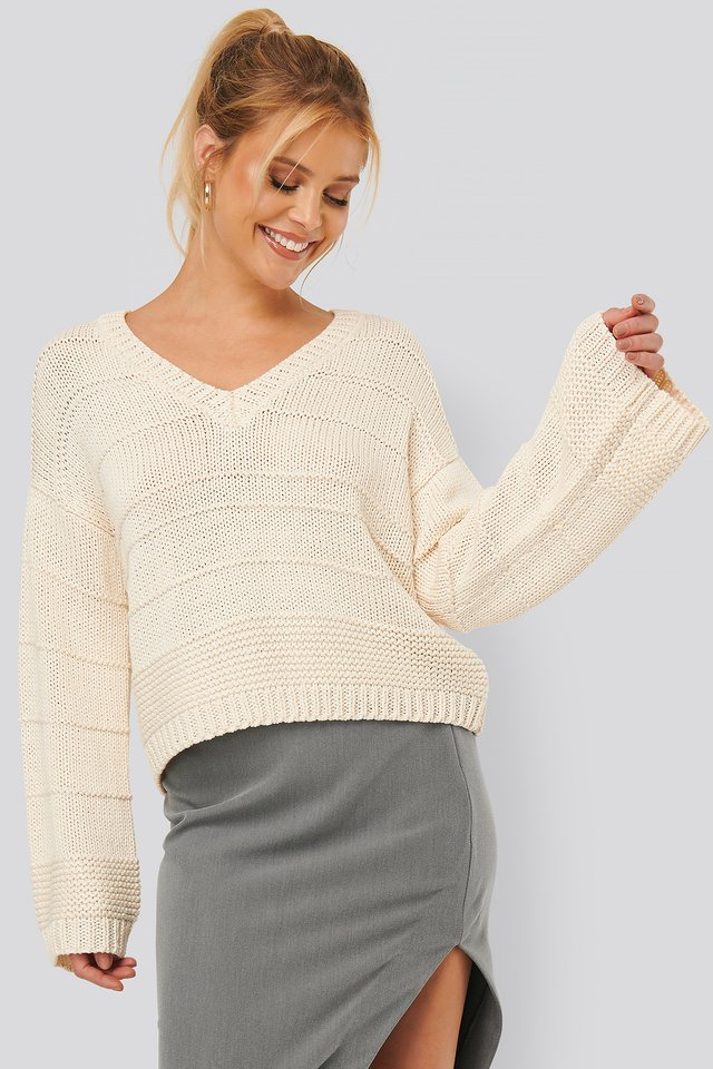 Slouchy V-neck Knitted Sweater Offwhite