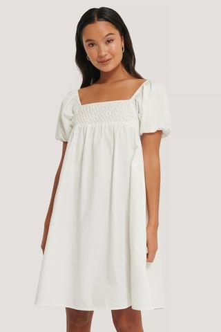 White Vestido Fruncido De Manga Abullonada