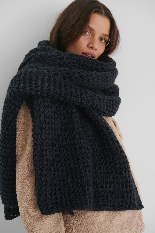Solid Oversize Knit Scarf Navy
